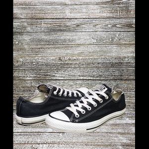 Converse | Chuck Taylor All Star Low Top Chucks